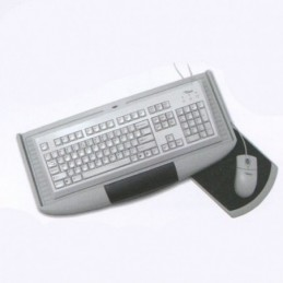Výsuv pod klávesnicu a myš...